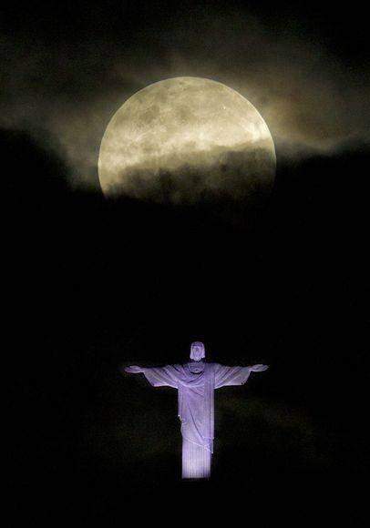 Patung Zeus salah satu 7 keajaiban dunia. WOWnya dong..