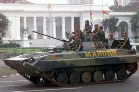 Tahukah anda bahwa tank INDONESIA PT-76 masuk dalam 5 tank paling canggih didunia. yaitu di urutan ke 4