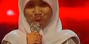 ndonesia ternyata memiliki bakat penyanyi yang mengagumkan. Ajang The X Factor berhasil menggali semua potensi yang layak diperdengarkan, salah satunya adalah Fatin Shidqia Lubis. Nama Fatin menjadi perbincangan.