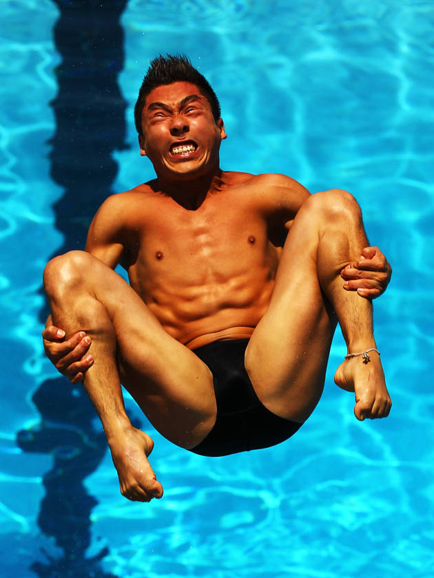 funny diving faces .. WOW deh
