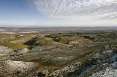 Aral sea yang terletak di Central Asia, republik Uzbekistan dan Khazastan.. air laut Aral sea mula kering sedikit demi sedikit sejak tahun 1960.