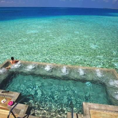 is it pool or sea? WOW and answer,please