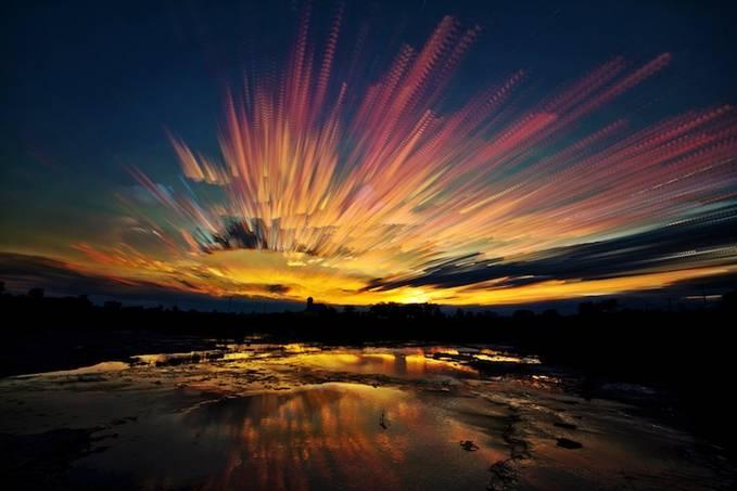 Wow, Pemandangan Langit yang Menawan Oleh Matt Molloy Matt Molloy, seorang fotografer asal Kanada, baru-baru ini menghasilkan foto-foto pemandangan langit yang menawan seolah-olah foto tersebut adalah sebuah lukisan.