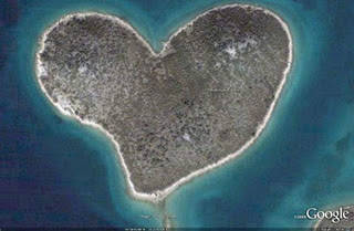 Pulau Unik Berbentuk Love