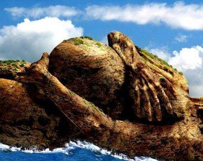 coba deh perhatiin batu karang ini -____- unik juga yak klik wow nya donk