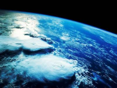 PLANET MIRIB BUMI Penemuan terbaru yang menggemparkan juga terjadi di dunia astronomi. Pada tahun 2010 lalu, sebuah tim yang dibentuk oleh 73 astronom yang berasal dari berbagai negara memastikan bahwa mereka telah menemukan planet yang mirip
