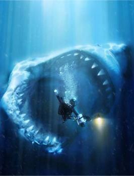 TERNYATA YANG PERTAMA ADALAH MEGALODON!! *wow dulu baru baca* data berat dan panjang: berat:50-100 ton! panjang:70 kaki! (di sini ada penyelam narsis!!!) dan hewan ini belum punah!