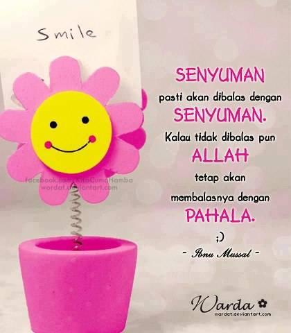"Rasulullah saw selalu memberikan senyuman. Kata 'Abdullah bin al-Harith: ""Aku tidak pernah melihat seseorang lebih banyak senyuman daripada Rasulullah s.a.w"" (Riwayat al-Tirmizi, sahih). Jika kalian Cinta Rassululah Senyum Lah . .Jgn Lupa Klik"