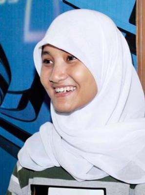 Amazing! lontaran reflek dari mulut Mulan Jameela sebagai juri tamu X Factor Indonesia menilai karakter suara peserta bernama Fatin Shidqia Lubis yang tampil di panggung masih mengenakan seragam SMU, menyanyikan lagu milik Bruno Mars, Grenade