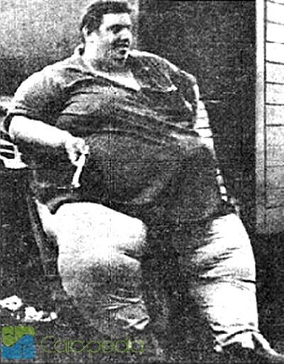 JON BROWER MINNOCH ( 635 KG) orang ini adalah orang tergendut didunia. mau km cewek or cowok klik WOW buat aku y :)