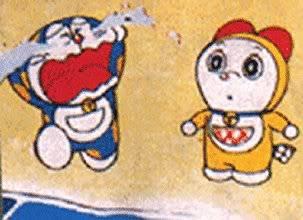 Karena terus menangis, air mata Doraemon membuat warna asli Doraemon yang kuning terang menjadi luntur… Air matanya menghapus warna tubuhnya… Sehingga jadi biru seperti yang kita tahu sekarang. Menyedihkan juga ya kisah Doraemon :(