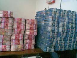 gw lagi kirim ni duit ke rumah kamu !!!