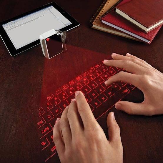 Sekarang udah ada virtual keyboard, jadi gak perlu beli keyboard eksternal dan makan tempat. Canggih ya :) , Jangan Lupa Klick wow yah :)