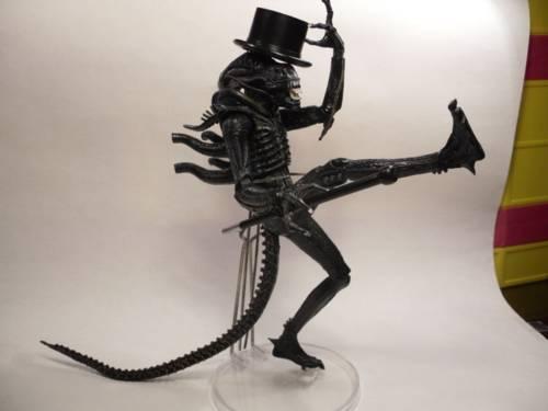 alien yang ngefans sama Michael Jackson (MJ)