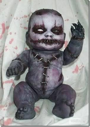 Boneka Terseram di dunia menurut anda seram g klo iya WOW nya