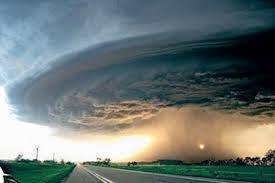 Inilah foto Tornado yang mengagumkan yang tertangkap kamera !