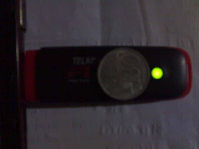 (WAJIB COBA) terxta benar uang receh Rp 100 bisa menyerap panas di modem kita saat kkita taruh uang tersebut di atas modem kita,,,alhasil modem tersebut tidak panas ,berpindah ke uang tersebut panasx...N JARINGAN LANCAR,,,