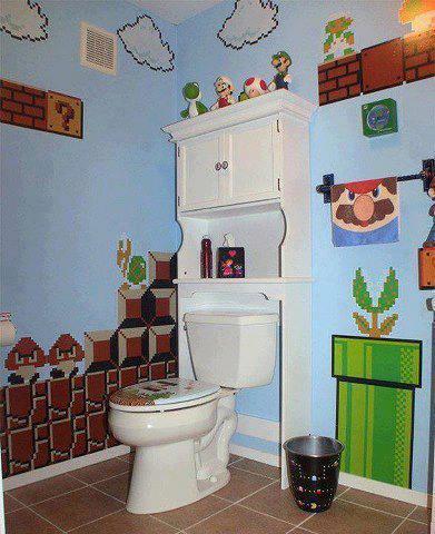 WOW... Kamar mandi Mario Bross :D lucu yaa..