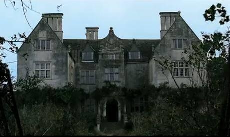 Siapa yg tau ini rumah siapa..?? Yup,The Woman In Black.....! *bagi yg tau, kasih WOW-nya OK..?