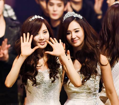 Seohyun & Yuri ^^ Imut2 yaa :D