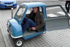 mobil ini menurut anda kecil tapi jika anda klik wow mobil ini akan berubah menjadi mercedez