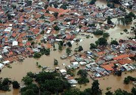 banjir di ibu kota Jakarta menjadi pusat perhatian masyarakat