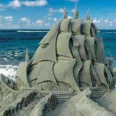 Kapal terbuat sari pasir. WOW jika kamu menyukai gambar ini
