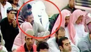 Kemunculan Malaikat di Masjid Nabawi Saat Shalat Jumat