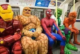 ternyata para Super Hero juga harus nunggu di halte ya