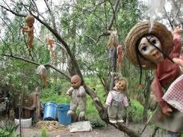 Pulau Terseram Di Dunia YG Dihuni Oleh Boneka-Boneka Seram