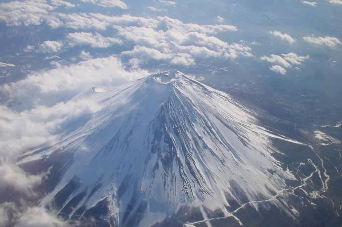 Ini dia..Gunung Fuji,Japan..Indah ya? kalo indah WoW nya donkk..GBU^^