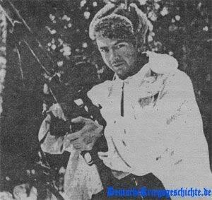 """Simo Haya Mungkin inilah sniper yang paling terkenal di dunia karena membukukan rekor kill hit paling tinggi, yaitu membunuh sekitar 542 prajurit Rusia dalam periode Winter War(1939-1940). Julukan bagi si Simo Haya ini adalah """"White Dead"""" karen"""