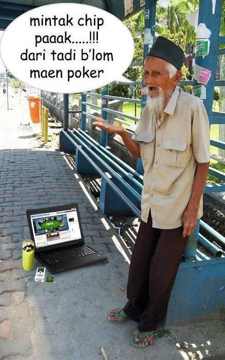 yang kasian silahkan klik WOW.. nanti dia bisa maen Poker lagi haha