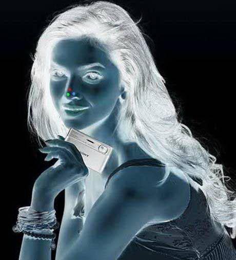 Konsentrasikan mata anda pd titik merah selama 30 detik, trus tatap tembok sambil mata kalian berkedip2 .. ke ajaiban akan terjadi.. Wow nya ya bro.. untuk update yg lebih baru :)