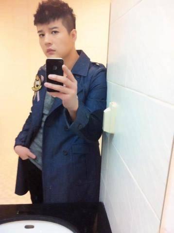 kaya nya shindong oppa foto nya di wc hahaha :D