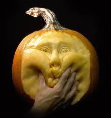 Hasil Kreativitas yang keren :) Buah labu di Sulap menjadi wajah manusia :D