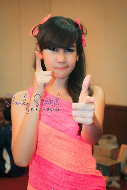Anisa Chibi Personil Cherrybelle yang istimewa 1.hitam 2.manis 3.cantik 4.islam 5.best 6.istimewa Makanya anisa disebut artis indonesia tercantik dan istimewa dalam grup cherrybelle I