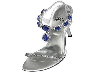 High Heels Tanzanite Stuart Weitzman Harga: US$ 2 juta (Rp 20 miliar) Stuart Weitzman menggandeng toko perhiasan Le Vian untuk memotong berlian tanzanite 185 karat serta 28 karat berlian.