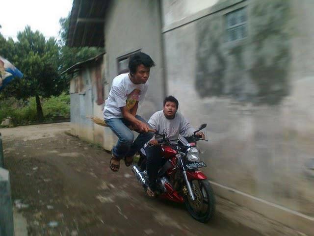 Hari Potrer Made In Indonesia Nih.. Wkwkwkwkk~