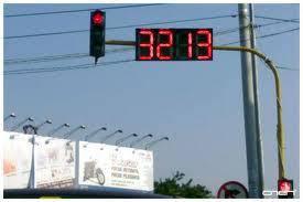 lampu merah terlama di indonesia klik woo...! sepuasnya