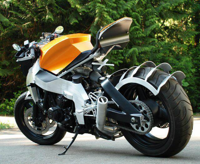 Honda CBR 1000F Custom.