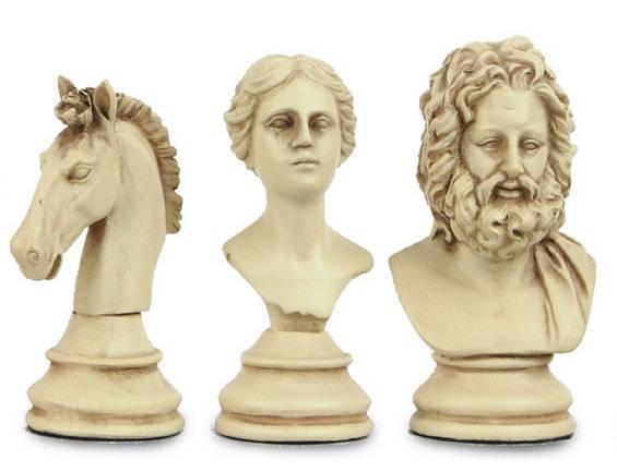 Istilah Catur dalam Bahasa Inggris.. King = Raja Queen = Menteri Rook = Benteng Knight = Kuda Bishop = Gajah Pawn = Pion