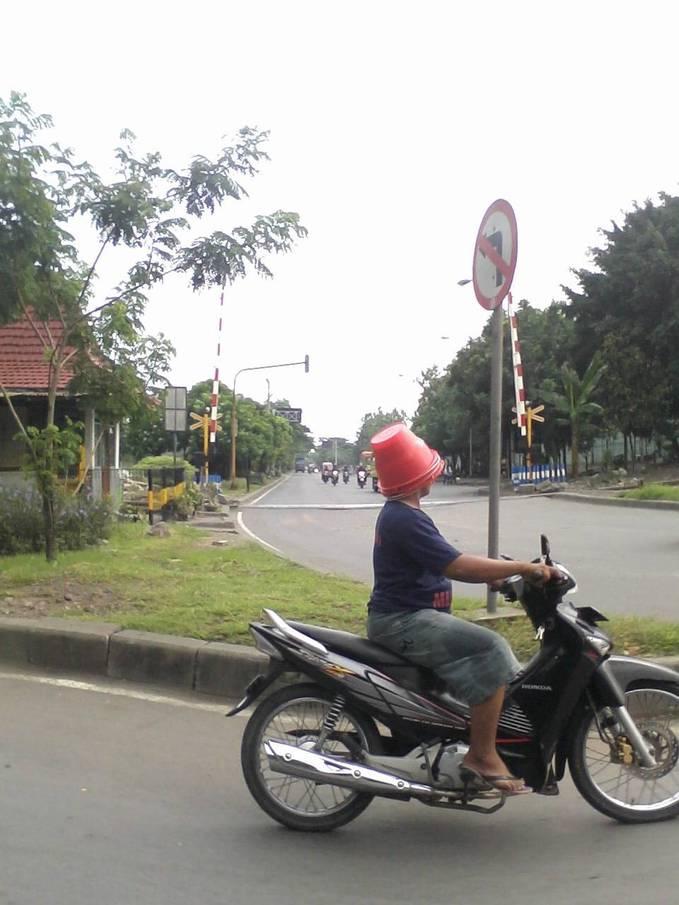 Model helm 2013