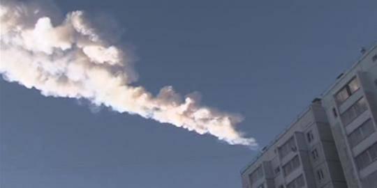 Hujan meteor di Rusia berasal dari meteorit 10 TON .