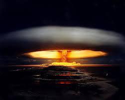 kalo bom atom meledak jadi gini deh hasilnya jgn lupa WOW nya yaaaa
