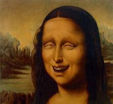 Monalisa lagi ketawa, apa yg membuat dia ketawa yaa???