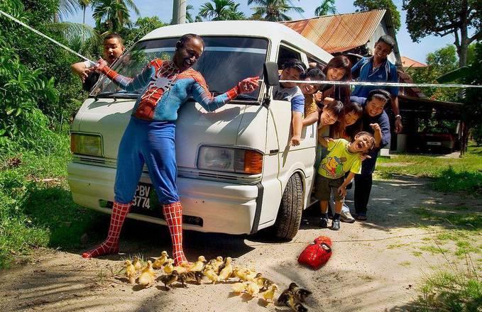 spiderman behind the scene...wkwkwkwk