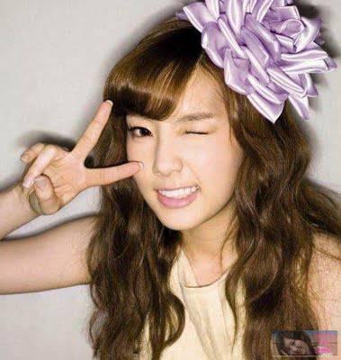 Nih, buat kamu yang rambutnya panjang. Di kriwil kaya Tae SNSD!