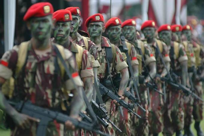Kopassus (Komando Pasukan Khusus) merupakan pasukan terhebat ke-3 di dunia yang berasal dari Indonesia. Pelatihan & pendidikan Kopassus diakui & diklaim paling berbahaya didunia karna melewati batas ambang kemampuan manusia.