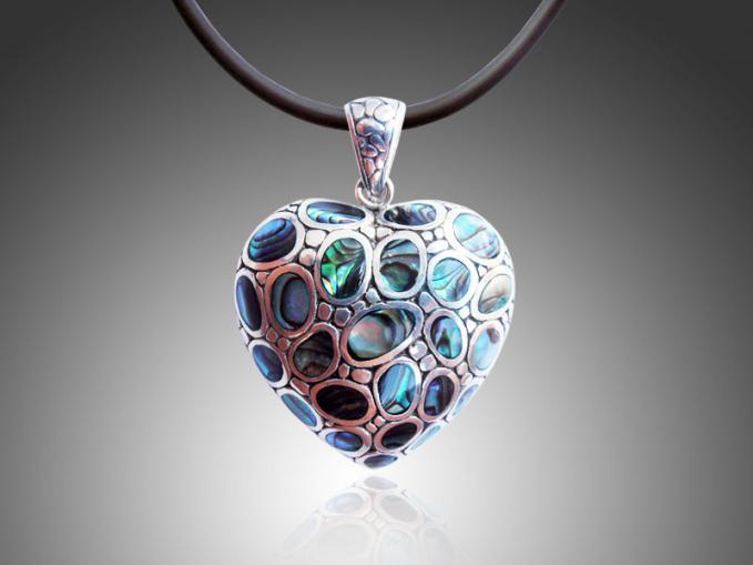 Koleksi keren bandul jantung perak dan kerang hijau motif batu kali...